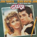 『グリース』から40年。ジョン・トラボルタとオリビア・ニュートン・ジョンが当時の衣装で登場